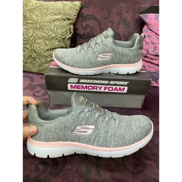 Used ORIGINAL SKECHERS GIRLSS in Dubai, UAE