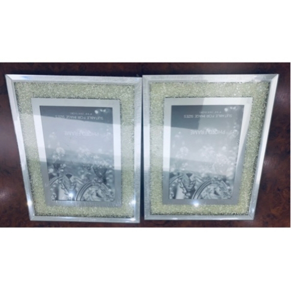 Used Candle holder & picture frames in Dubai, UAE