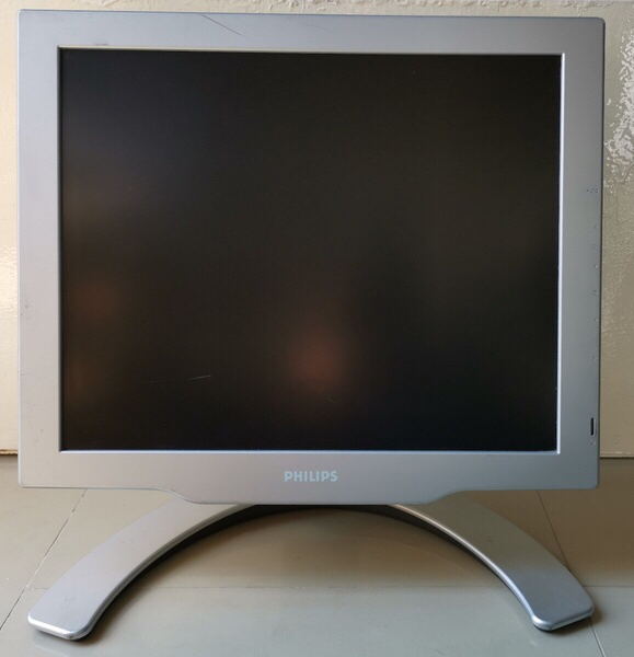 Used HP Desktop with Philips monitor complete in Dubai, UAE