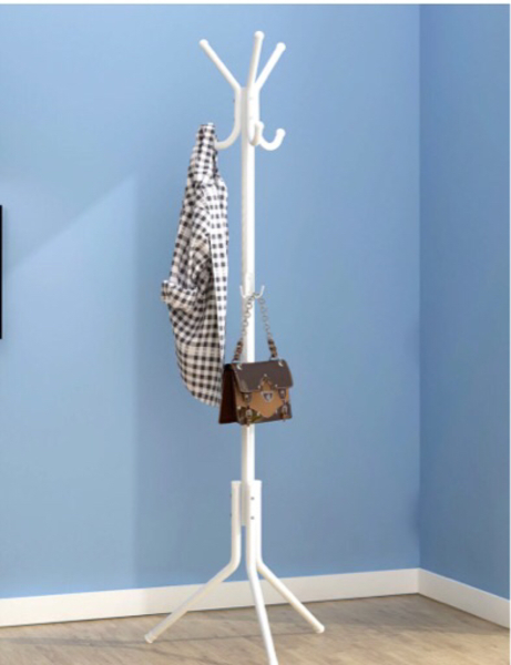 Used Coat / Clothes Hanger in Dubai, UAE