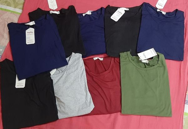 Used Ladies skin fitting t shirt 9 pcs (M) in Dubai, UAE