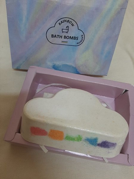 Used 1Pcs Rainbow🌈 Bath Bombs 💣 in Dubai, UAE