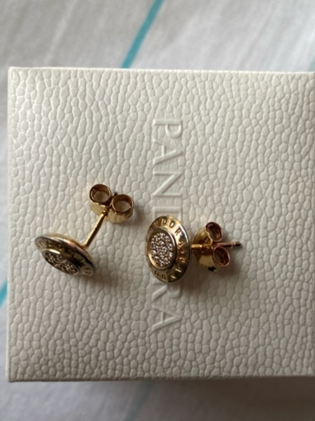Used 💯Authentic Pandora Logo earrings in Dubai, UAE