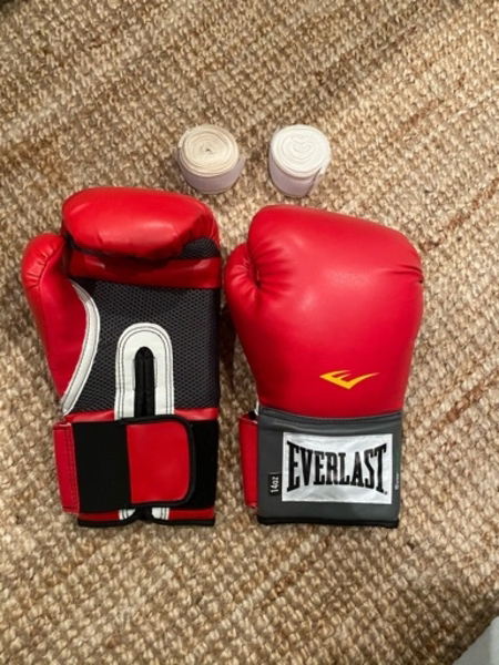 Used 14oz Everlast Boxing Gloves With Wraps in Dubai, UAE