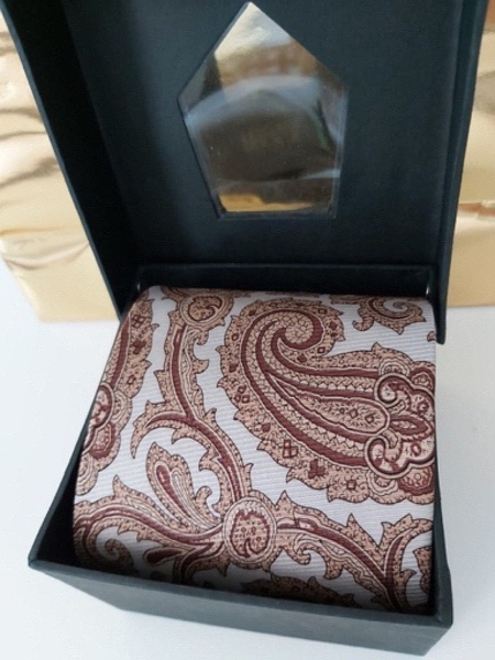 Used new silk tie : in Dubai, UAE