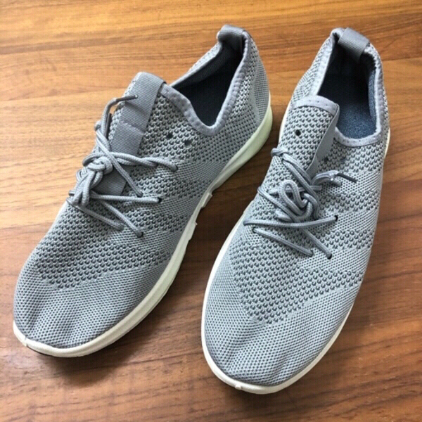 Used MEN'S RUNNING SHOES/43 in Dubai, UAE