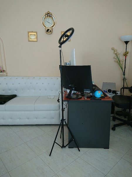 Used Ring stand  makeup with stand Original in Dubai, UAE