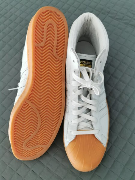 Used Adidas White Leather Boots US12 LIKENEW in Dubai, UAE