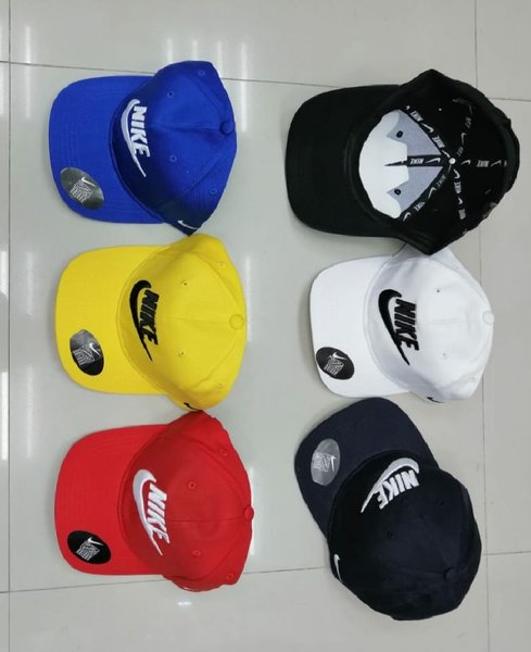 Used Nike Cap 5pcs POMO@ in Dubai, UAE