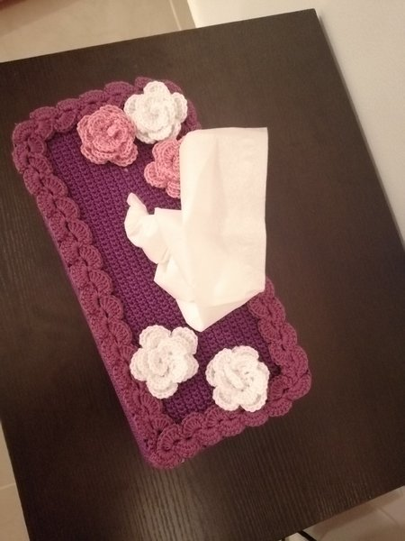 Used Cover for tissues pepper. Hand made in Dubai, UAE