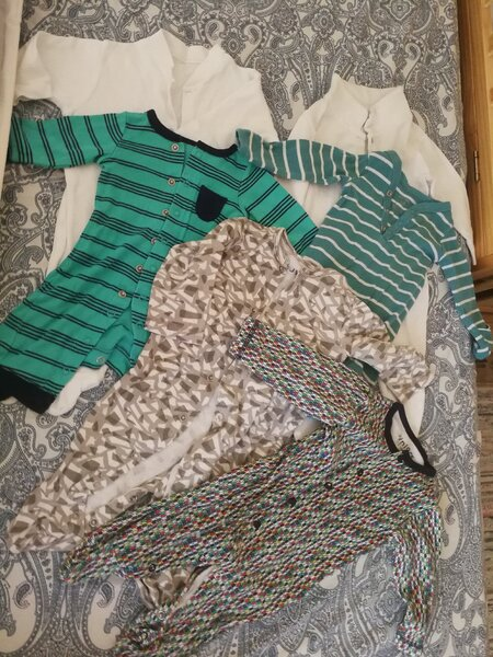 Used 6 full body suits 0-3 month in Dubai, UAE