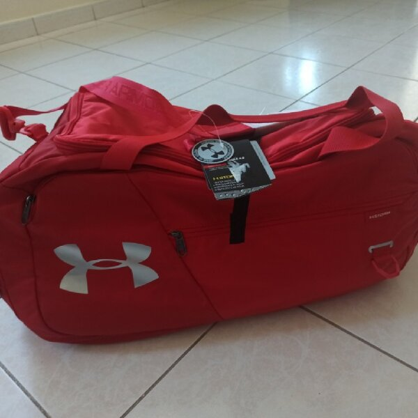 Used Sport bag Under Armour very nice !!! in Dubai, UAE