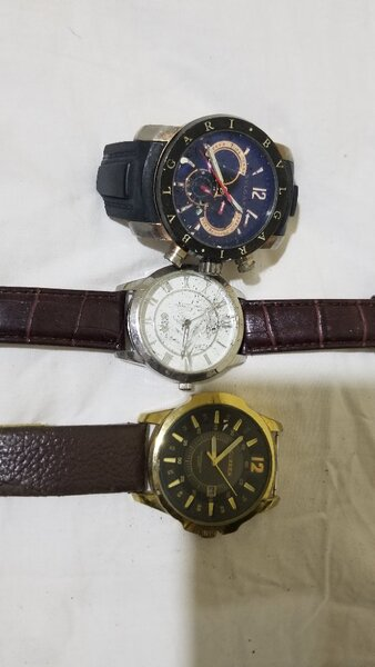 Used Faulty wrist watches @ give away price in Dubai, UAE