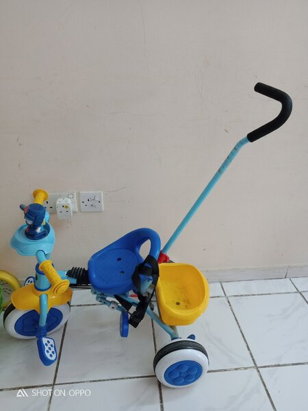 Used Push tricycle for your little 🐥 in Dubai, UAE
