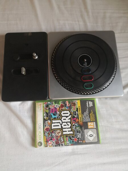 Used Dj hero xbox 360 in Dubai, UAE