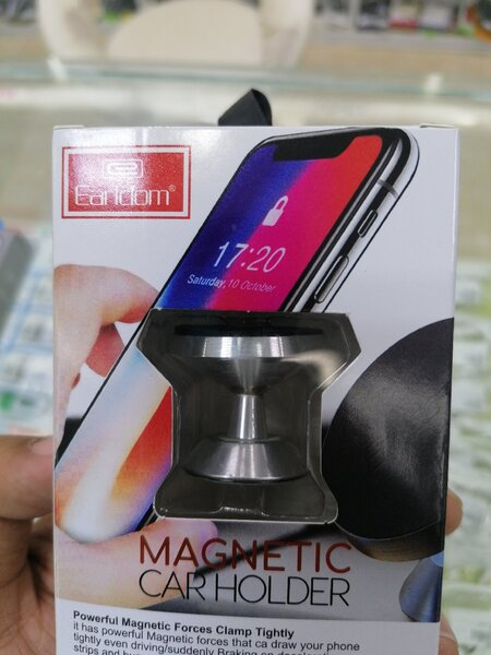 Used Car Charger With Magnetic Car Holder in Dubai, UAE