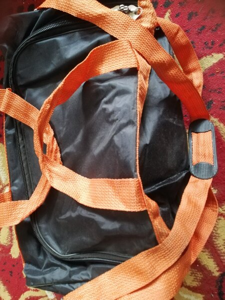 Used Super quality bag hand and Shoulder in Dubai, UAE