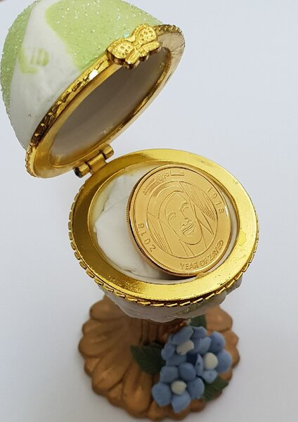 Used 1 gold plated coin🛑🛑🛑 in Dubai, UAE