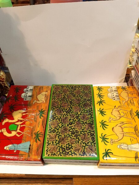 Used Green Flor💚 Kashmiri Paper Mache Box 😍 in Dubai, UAE