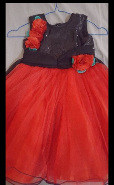 Used girl party frock 2 to 4 year girl... in Dubai, UAE