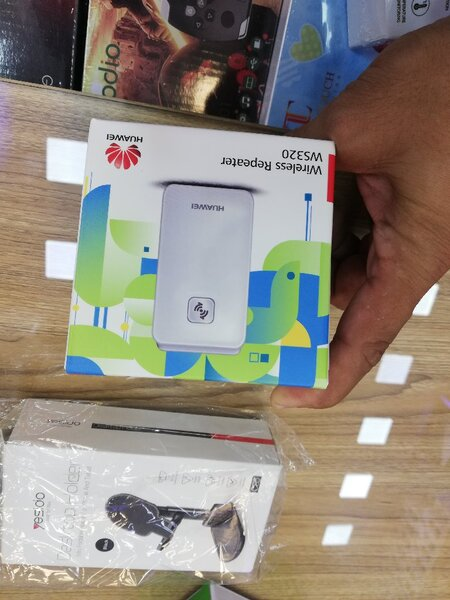 Used Huawei wifi extender repeater in Dubai, UAE
