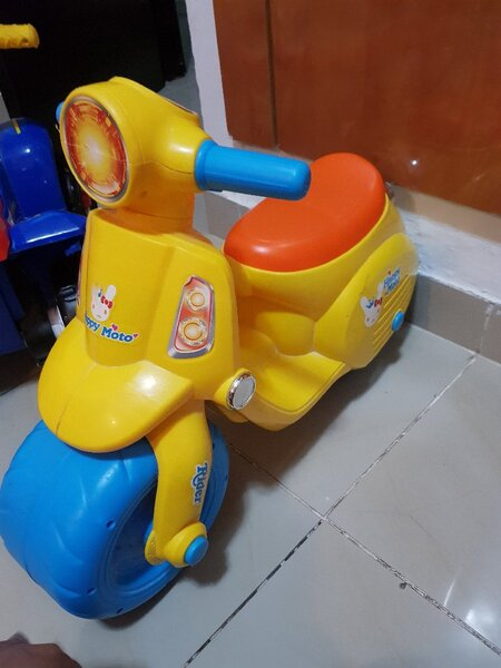 Used Ride On Scooter For Toddler in Dubai, UAE