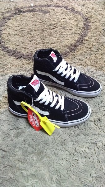 Used Vans high cut shoes size 40 new in Dubai, UAE