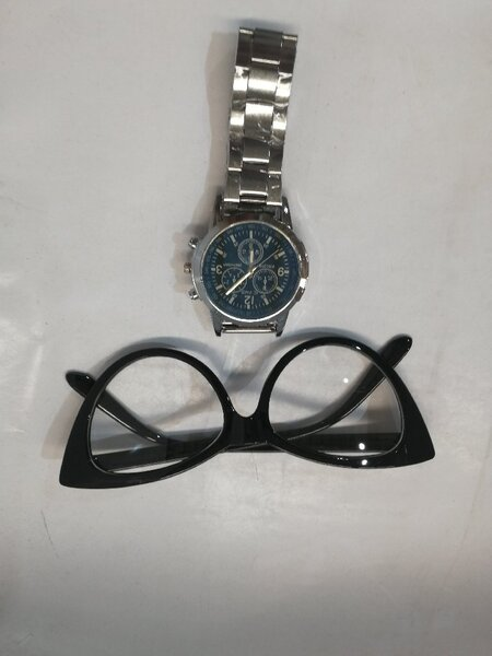 Used Watch & glasses in Dubai, UAE