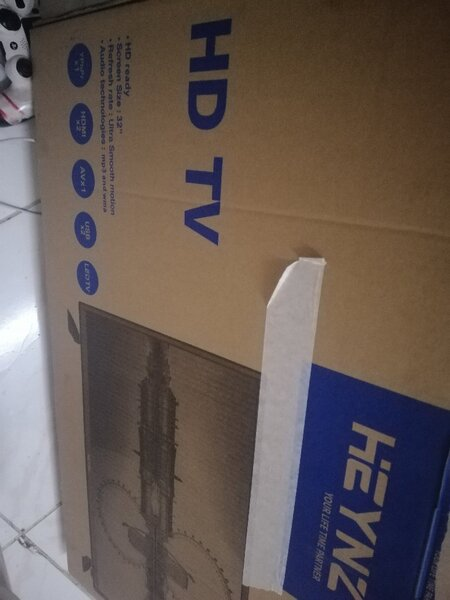 Used TV 32 inch in Dubai, UAE