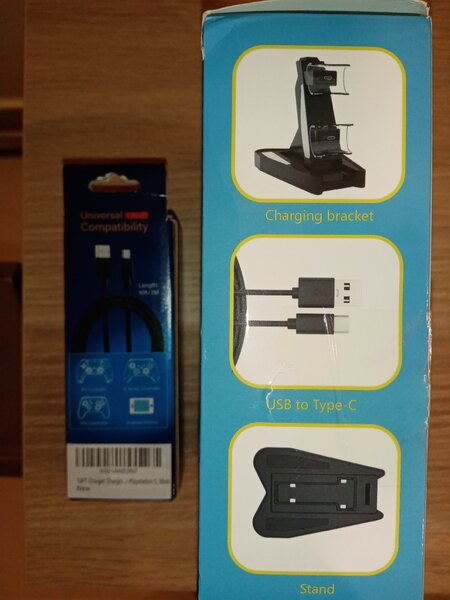 Used Ps5 and Ps4 Docking Station and 3M Cable in Dubai, UAE