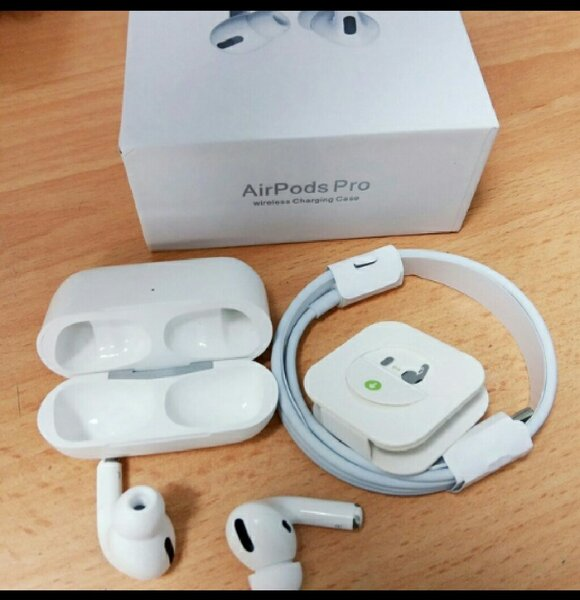 Used White premium apple airpord  pro in Dubai, UAE