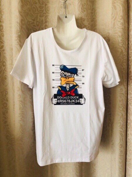 Used Donald Duck T-Shirt size 3XL in Dubai, UAE