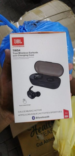 Used JBL TWS4 TRUE WIRELESS in Dubai, UAE