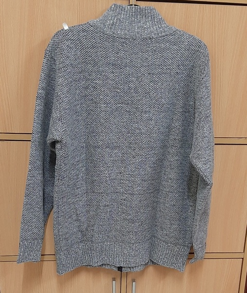 Used XL sweater/sweatshirt for him ! in Dubai, UAE