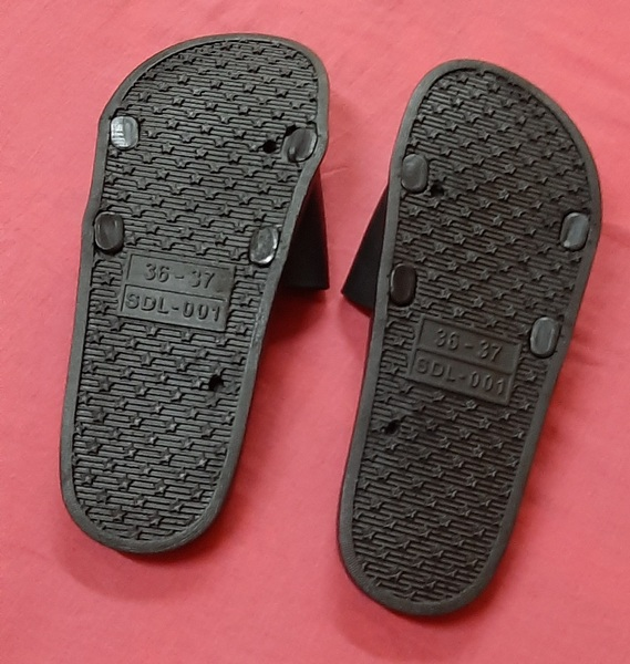 Used Unisex Non-slip Slippers, 36-37 size ! in Dubai, UAE