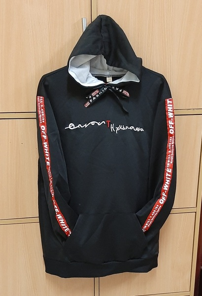 Used Black hoodie XL ! in Dubai, UAE
