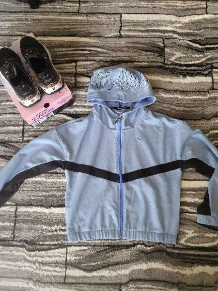 Used Bundle of puma jacket and skechers shoes in Dubai, UAE
