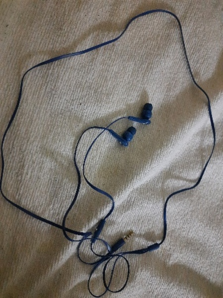Used AT&T headphones with mic from USA in Dubai, UAE
