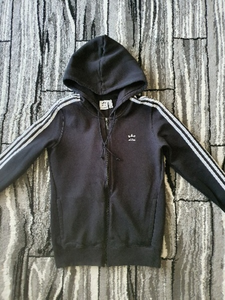 Used Adidas 3 stripes zip hoodie for women M in Dubai, UAE