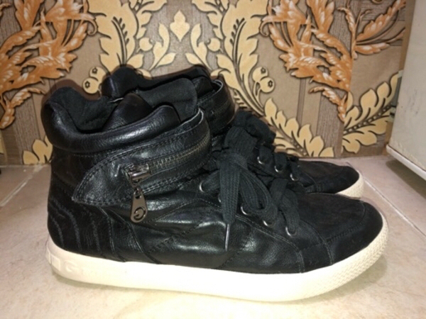 Used Guess Women's Shoes in Dubai, UAE