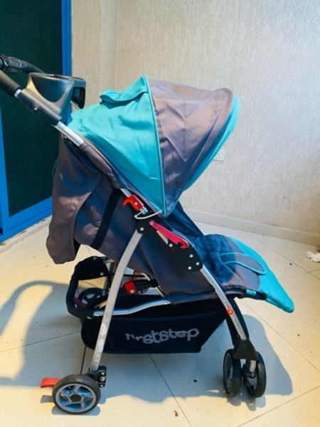 Used Baby stroller available in Dubai, UAE