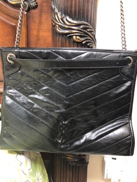 Used YSL two way bag Master copy Greatquality in Dubai, UAE