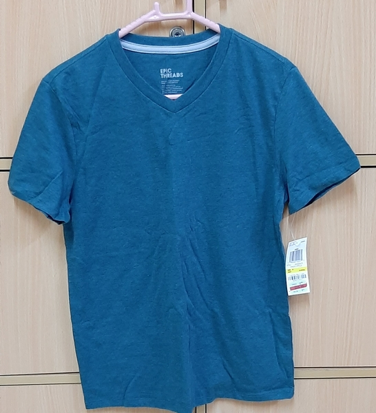 Used T shirt for your boy ! M in Dubai, UAE