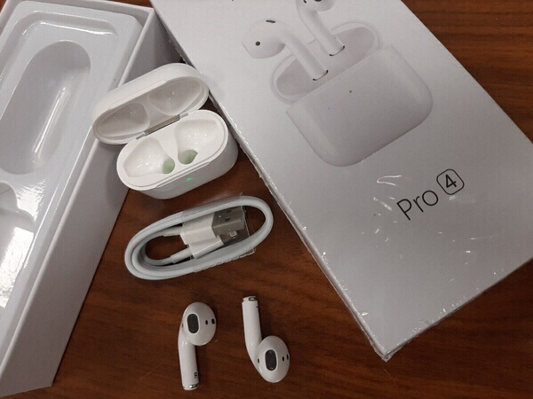 Used PRO 4 AirPods.i phonr or Android. in Dubai, UAE