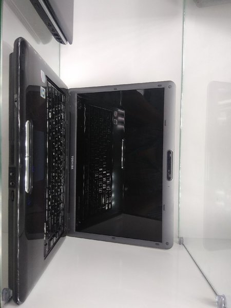Used Second laptop with 4 gb ram and 320 hdd in Dubai, UAE