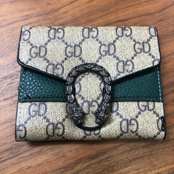 Used FEMALE SHORT WALLET in Dubai, UAE