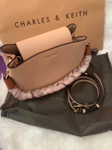 Used Charles and Keith 2 way bag in Dubai, UAE