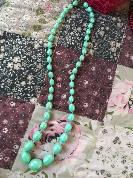 Used Very beautiful necklace red color in Dubai, UAE