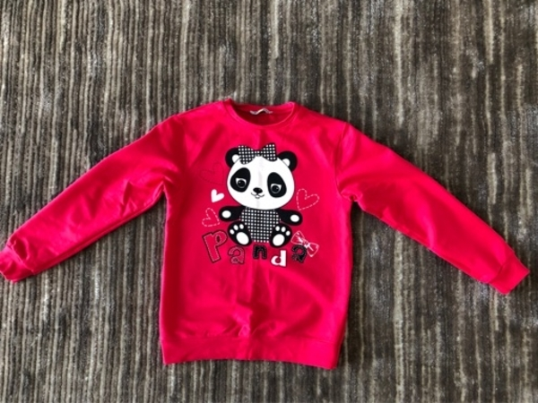 Used Sweater for a girl size 8-9 years old in Dubai, UAE