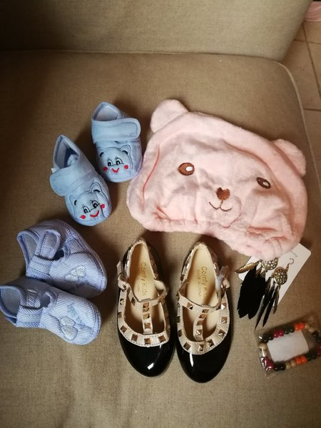 Used 4 mixed baby items and 2 for mama in Dubai, UAE